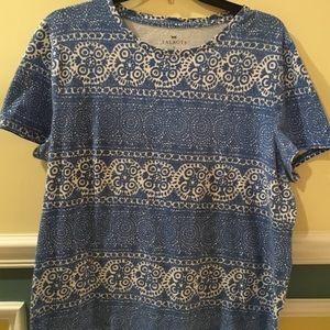 👚Talbots Blue patterned Short Sleeve Top